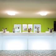 Bancone bar in polietilene luminoso modulare attrezzato